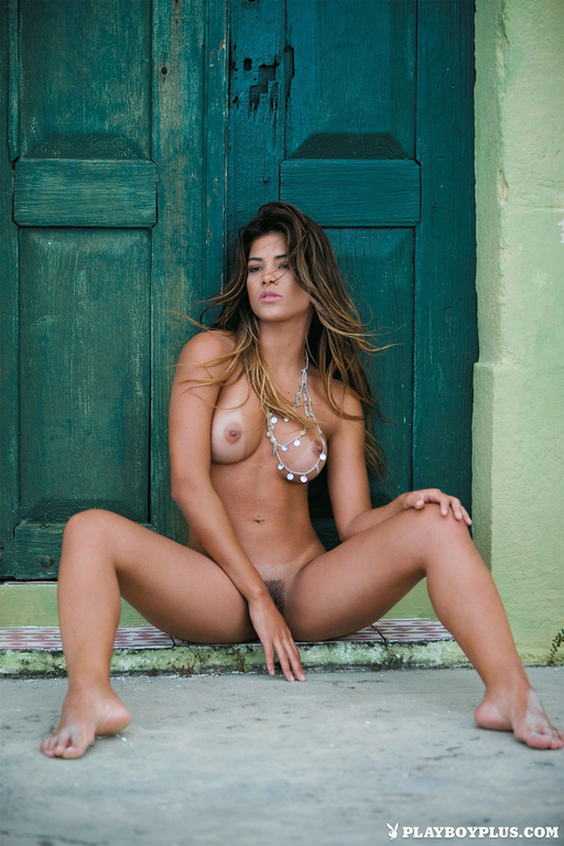 Kelly-Amorim-in-Playboy-Brazil699_full