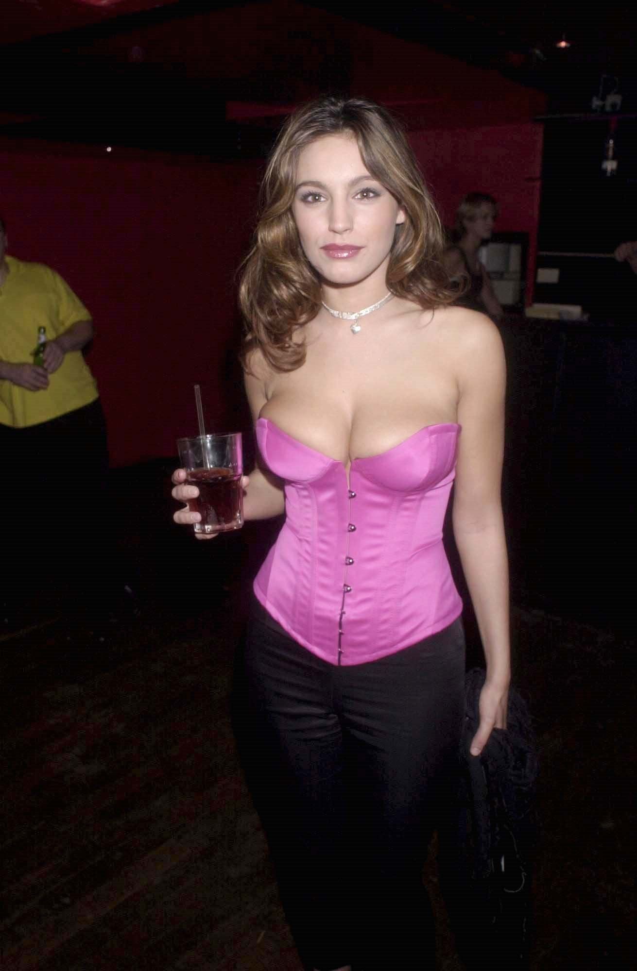 Kelly Brook Sexy Pics