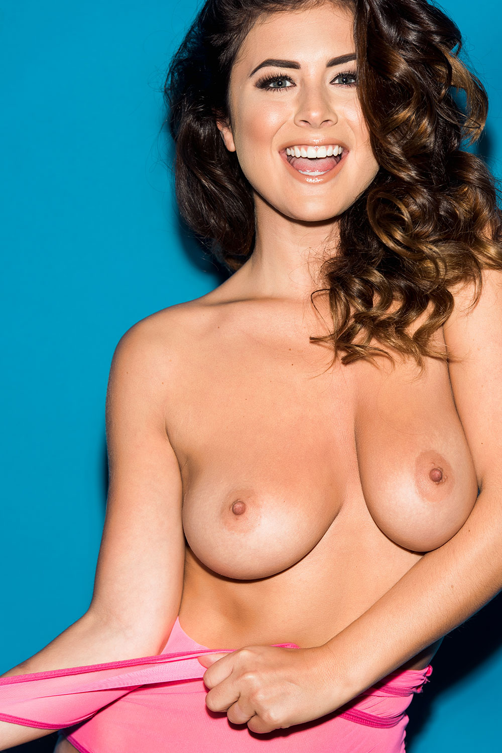 Topless Pics Of Kelly Hal...