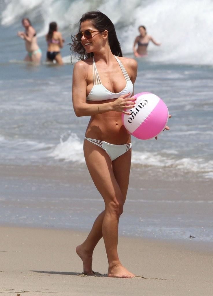 Kelly Monaco Bikini Pics
