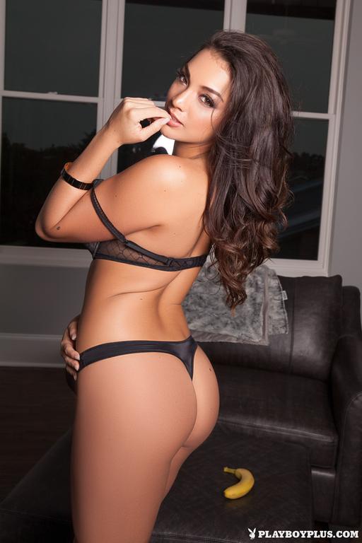 Kelsi Shay Nude Photoset