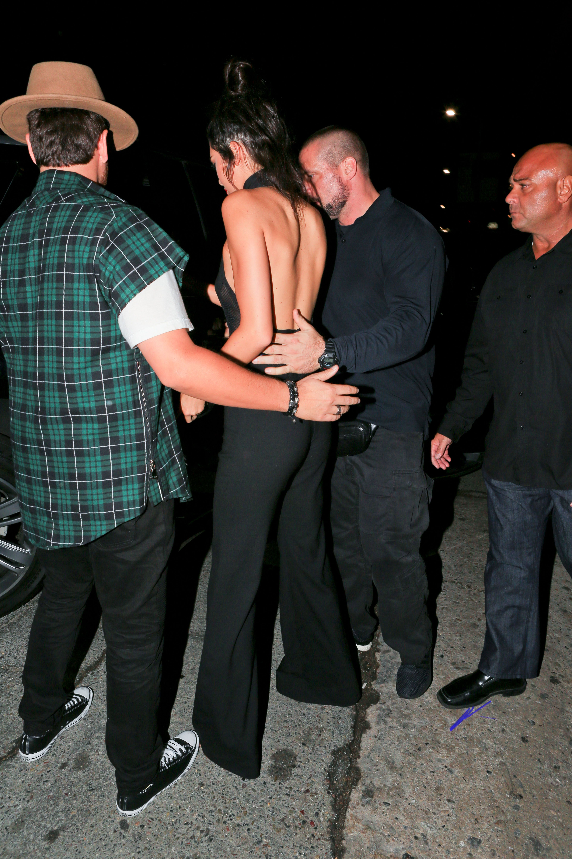 Kendall Jenner Braless Pi...