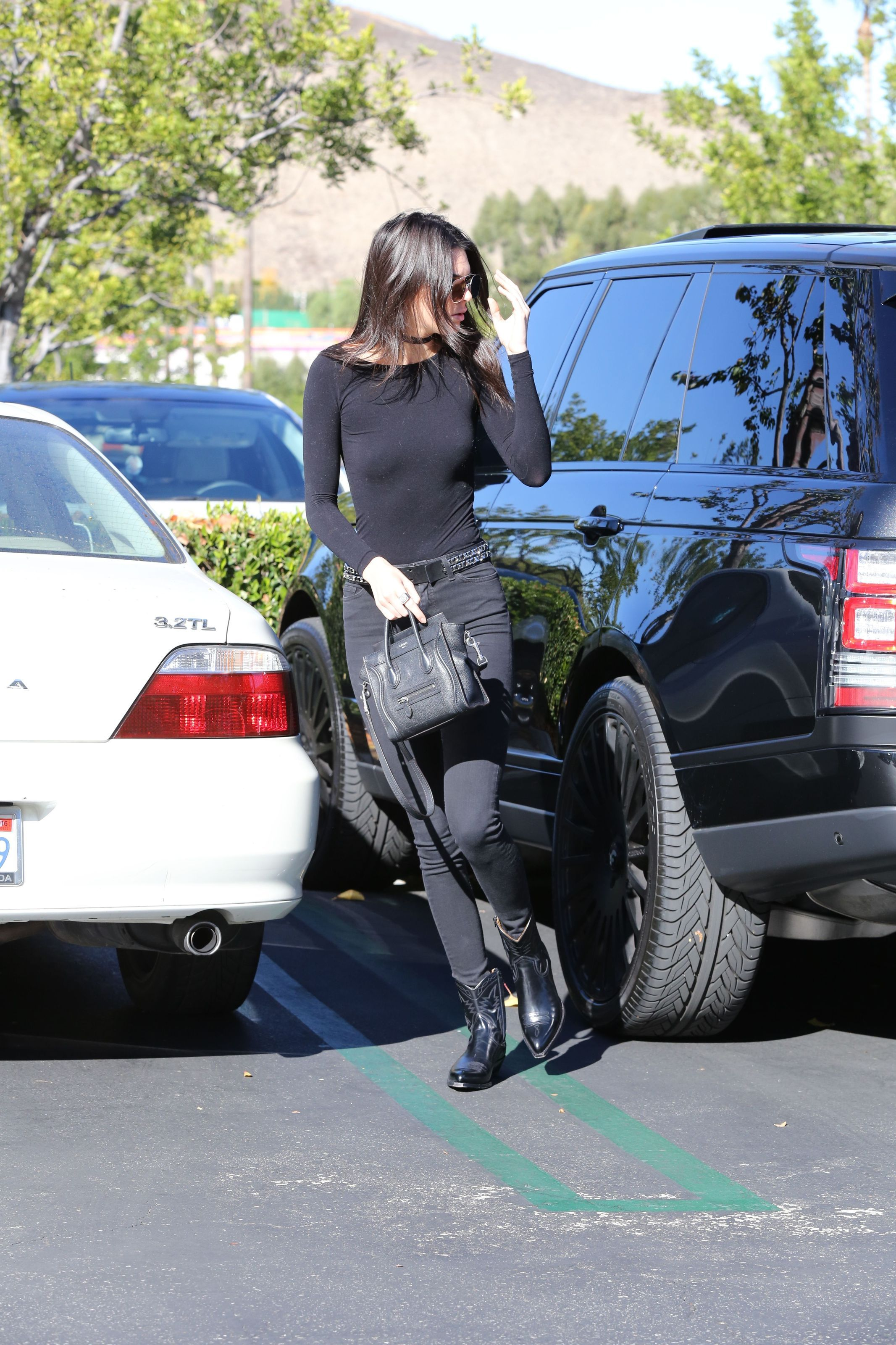 Pokies Pics Of Kendall Je...