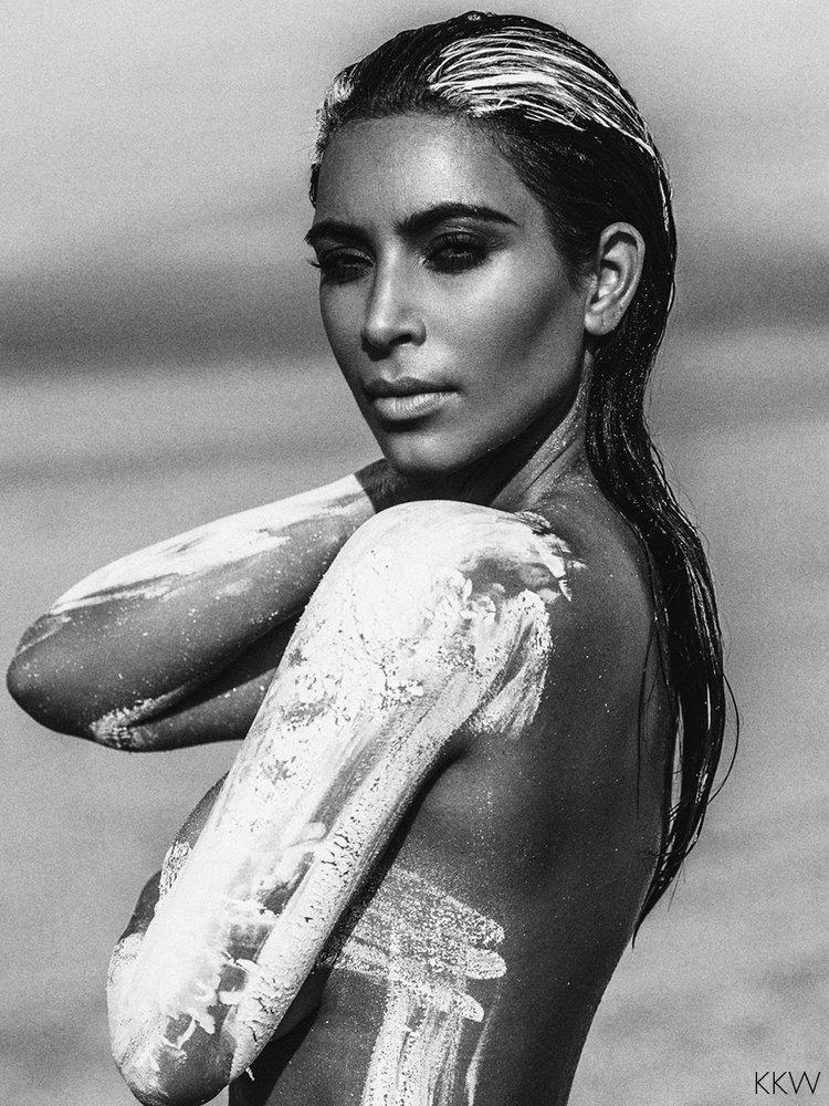 Nude Pics Of Kim Kardashi...