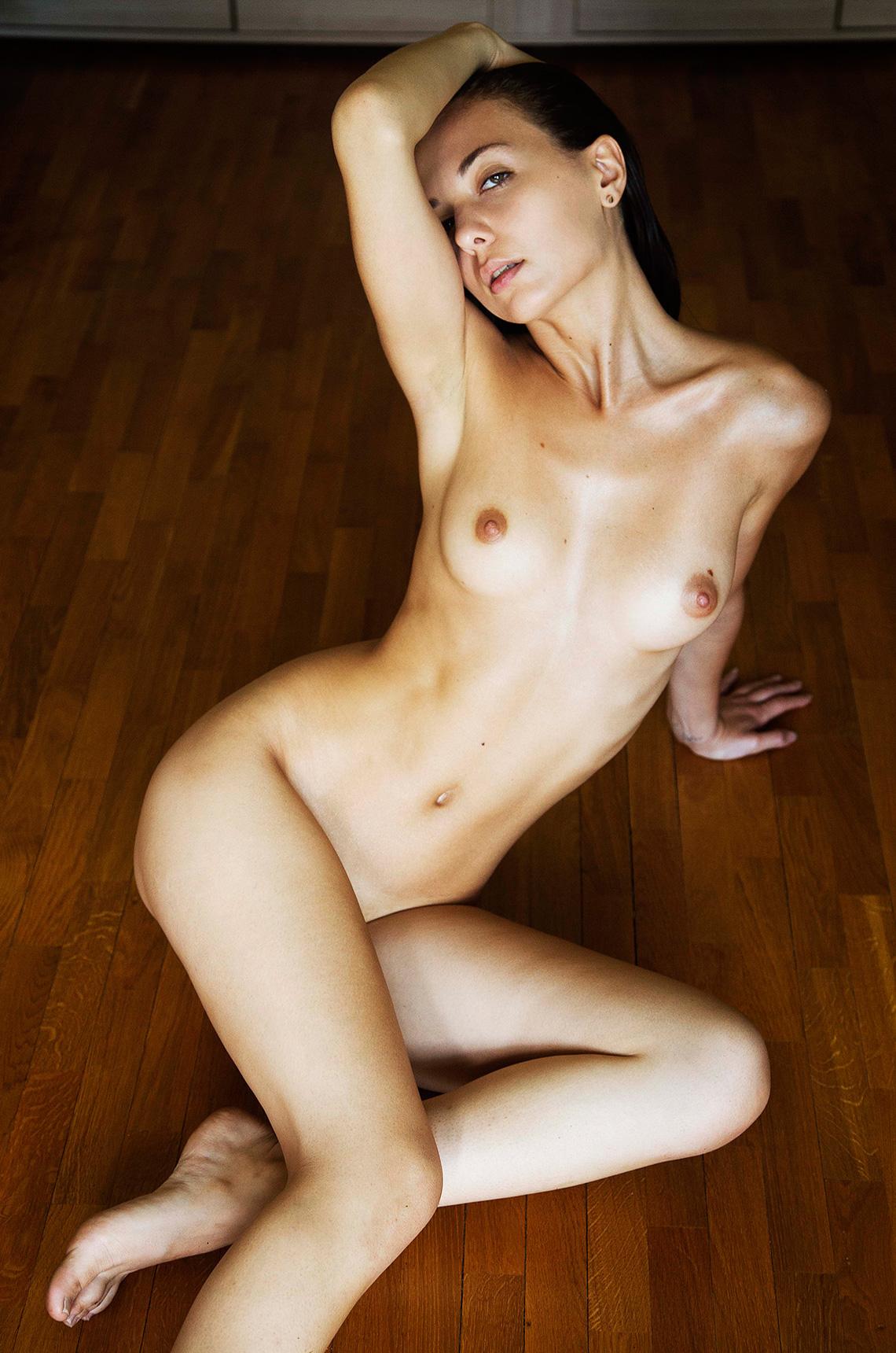 klaudia-brahja-naked-1