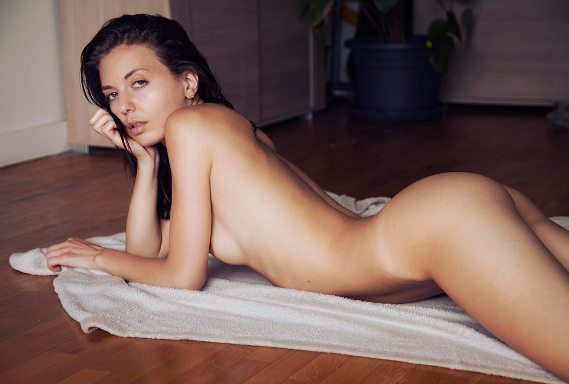 Naked Photos Of Klaudia B...