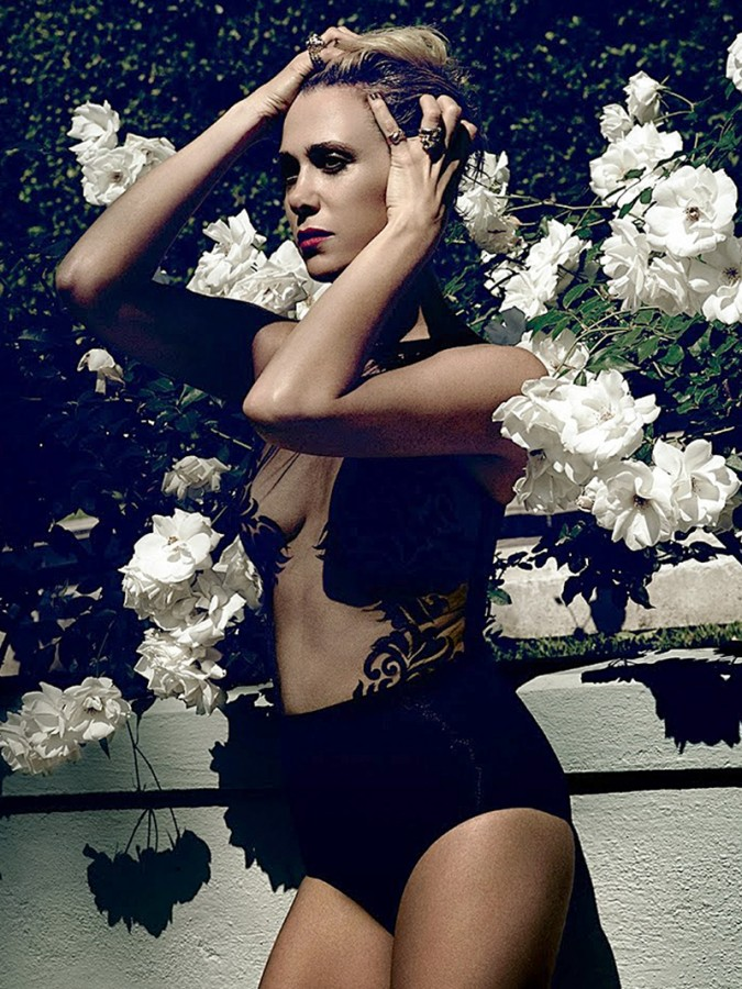 Kristen Wiig Hot Photosho...
