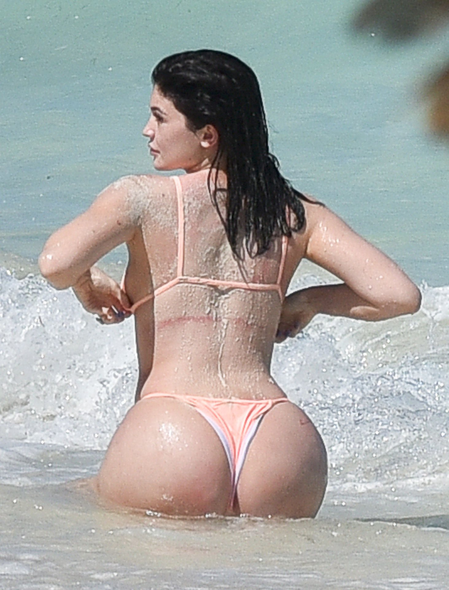 Kylie Jenner Butt Photos