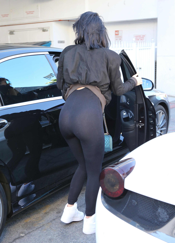 Kylie Jenner Sexy Ass Pho...