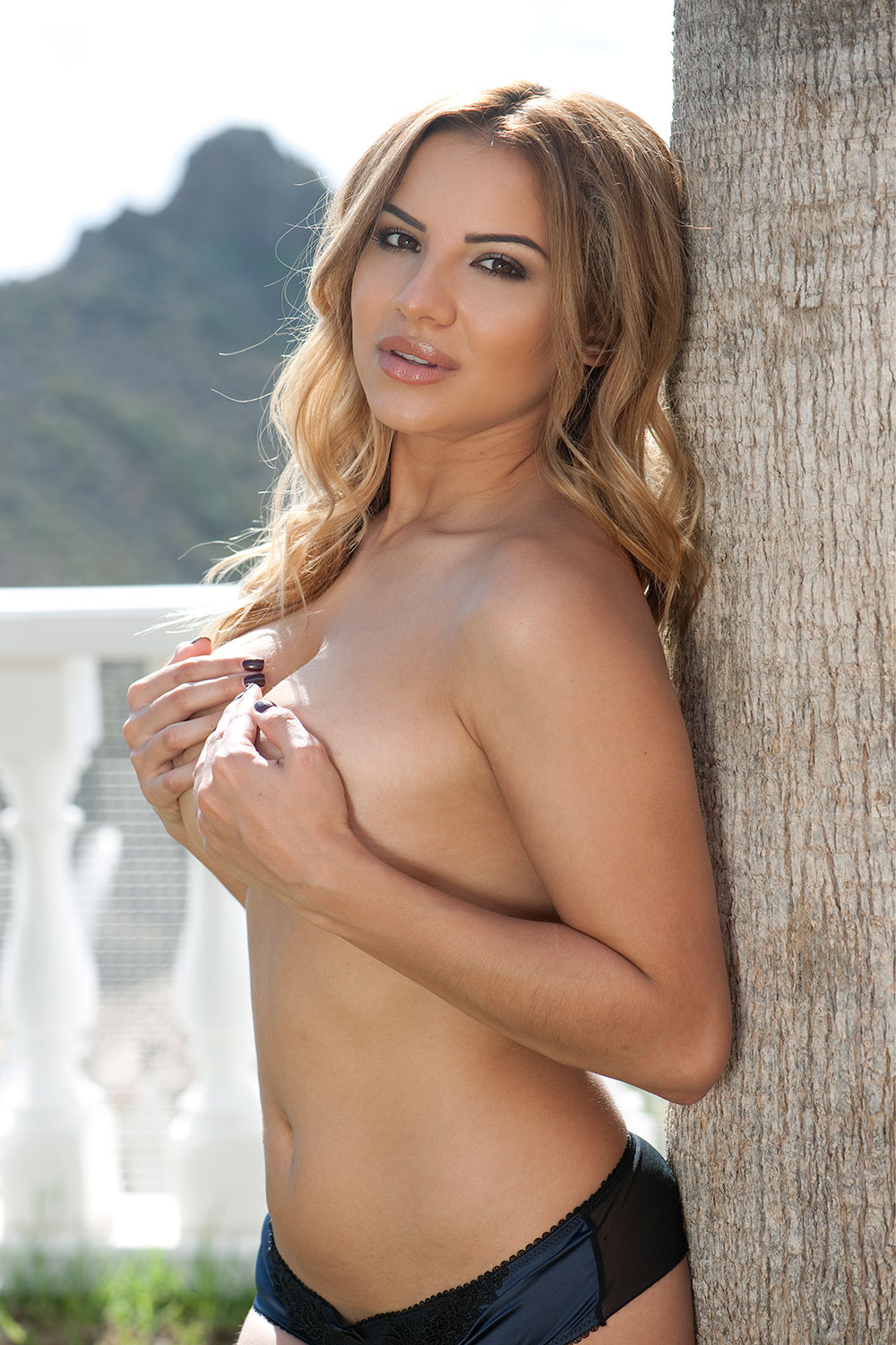 Topless Photos Of Lacey B...