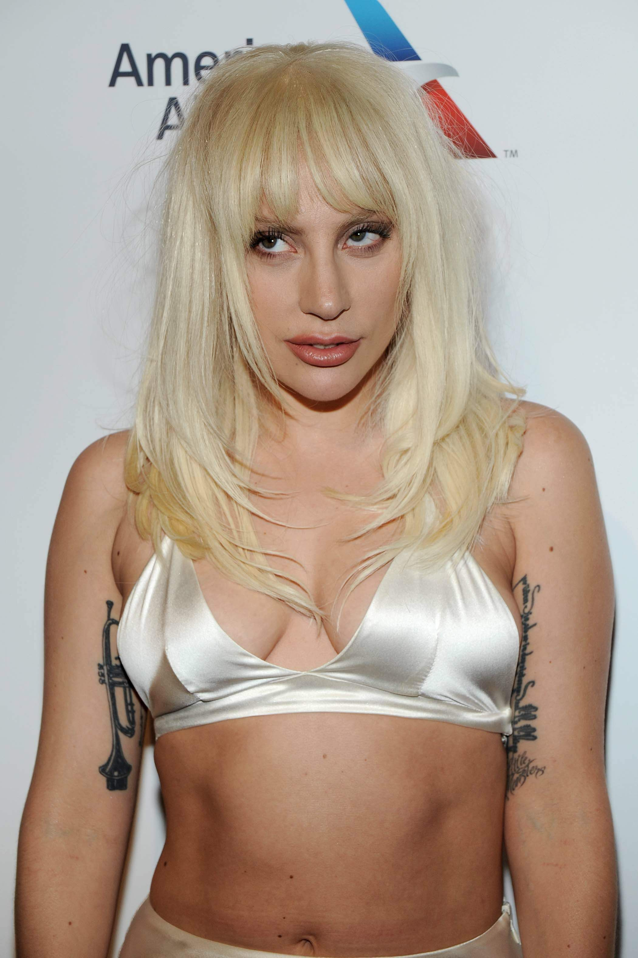 Lady Gaga Cleavage Photos