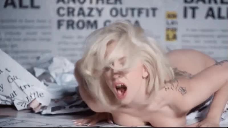 Lady Gaga Nude Pics + Gif...