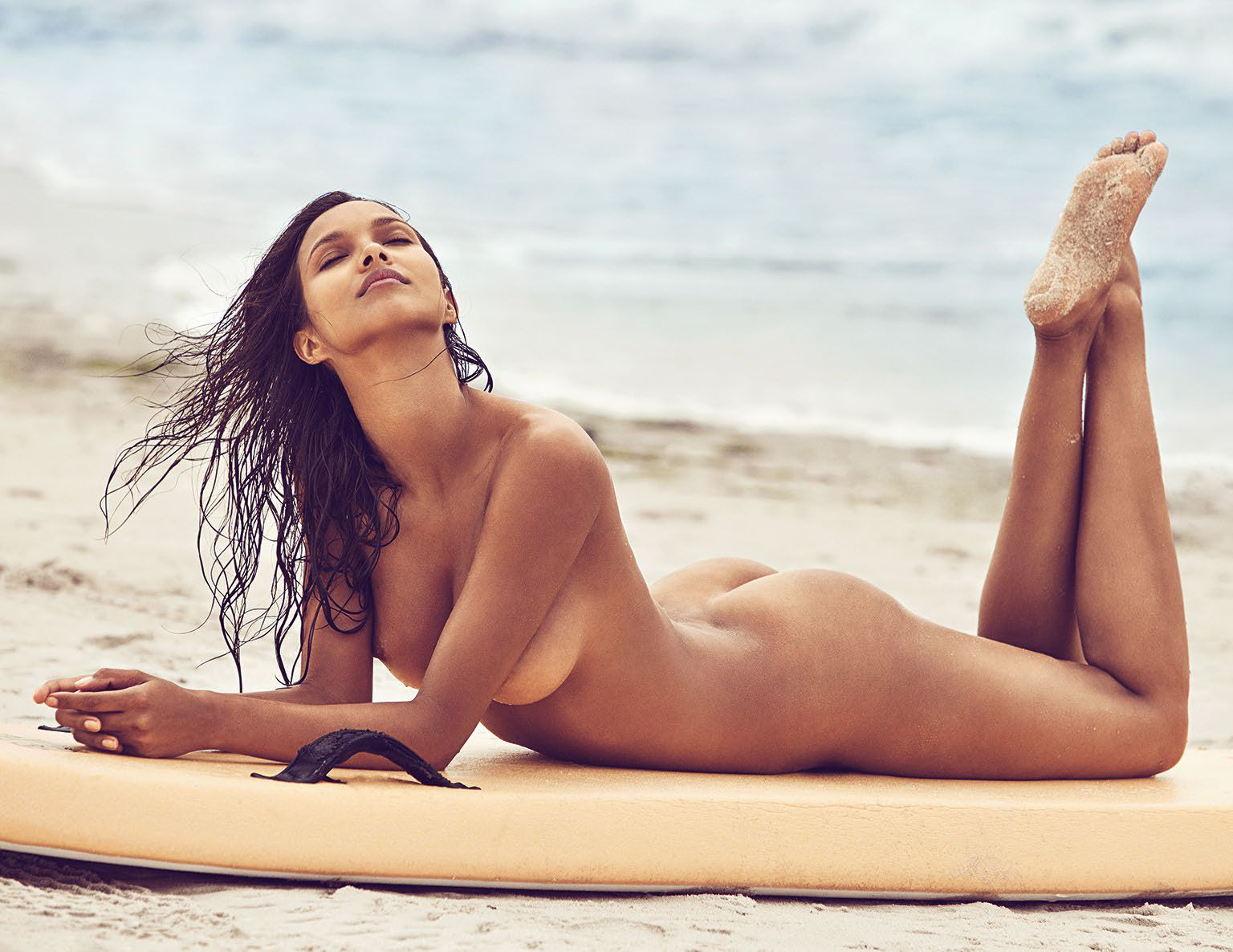 Nude Photos Of Lais Ribei...