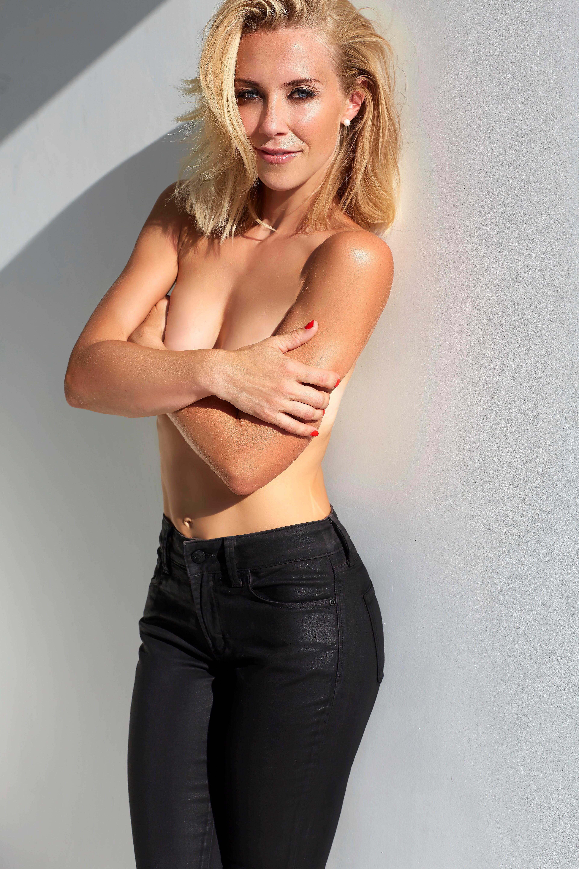 Laura Hamilton Sexy Photo...