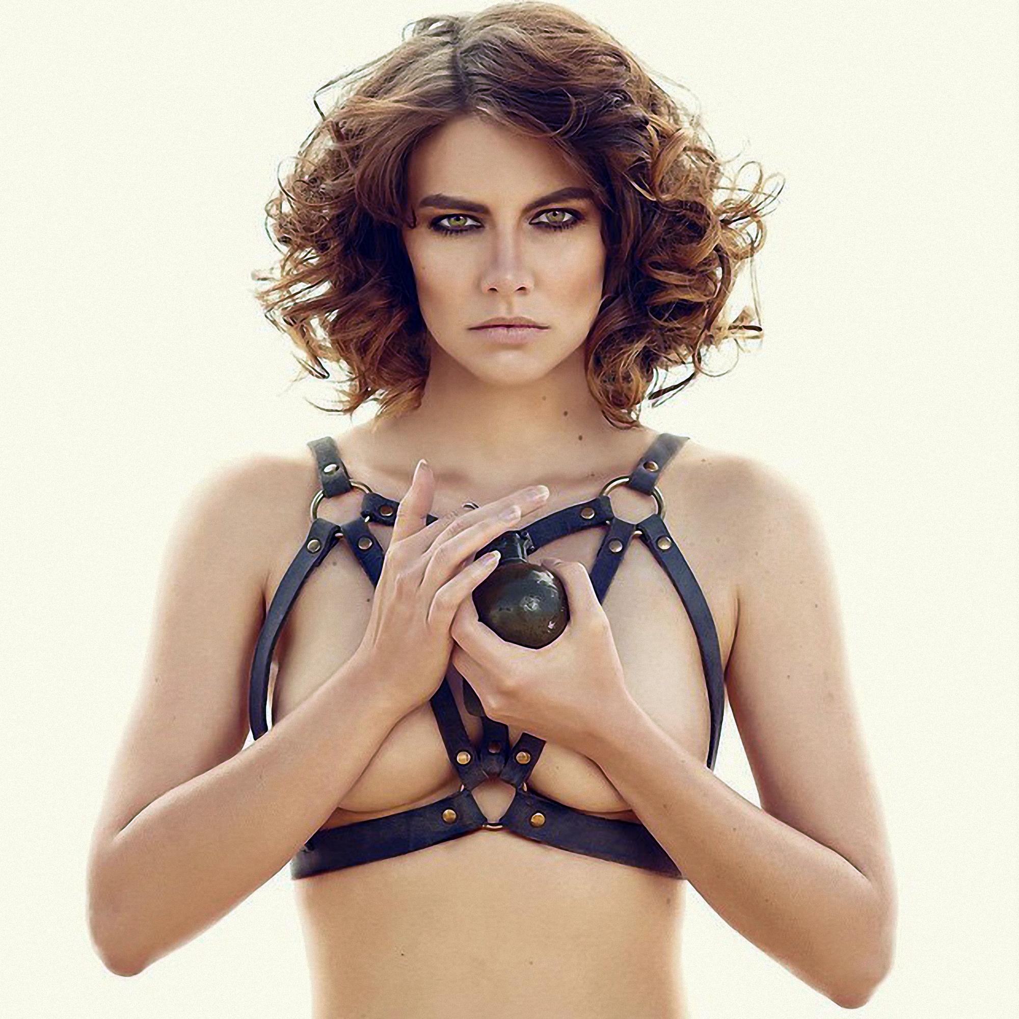 Lauren Cohan Topless Pics