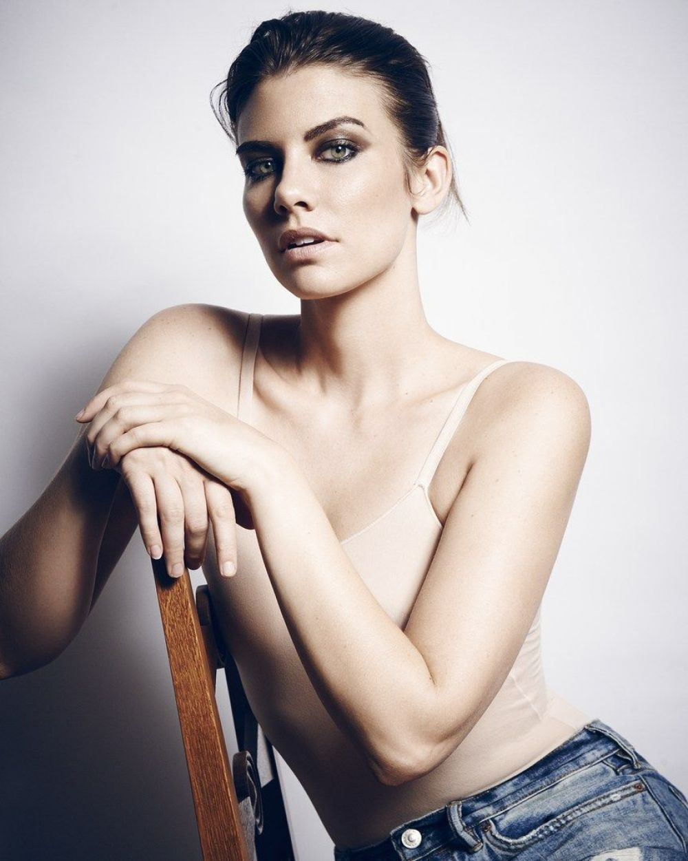 Lauren Cohan Hot Photosho...