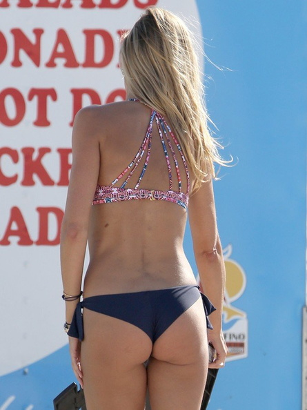 Lauren Stoner Hot Ass Pic...