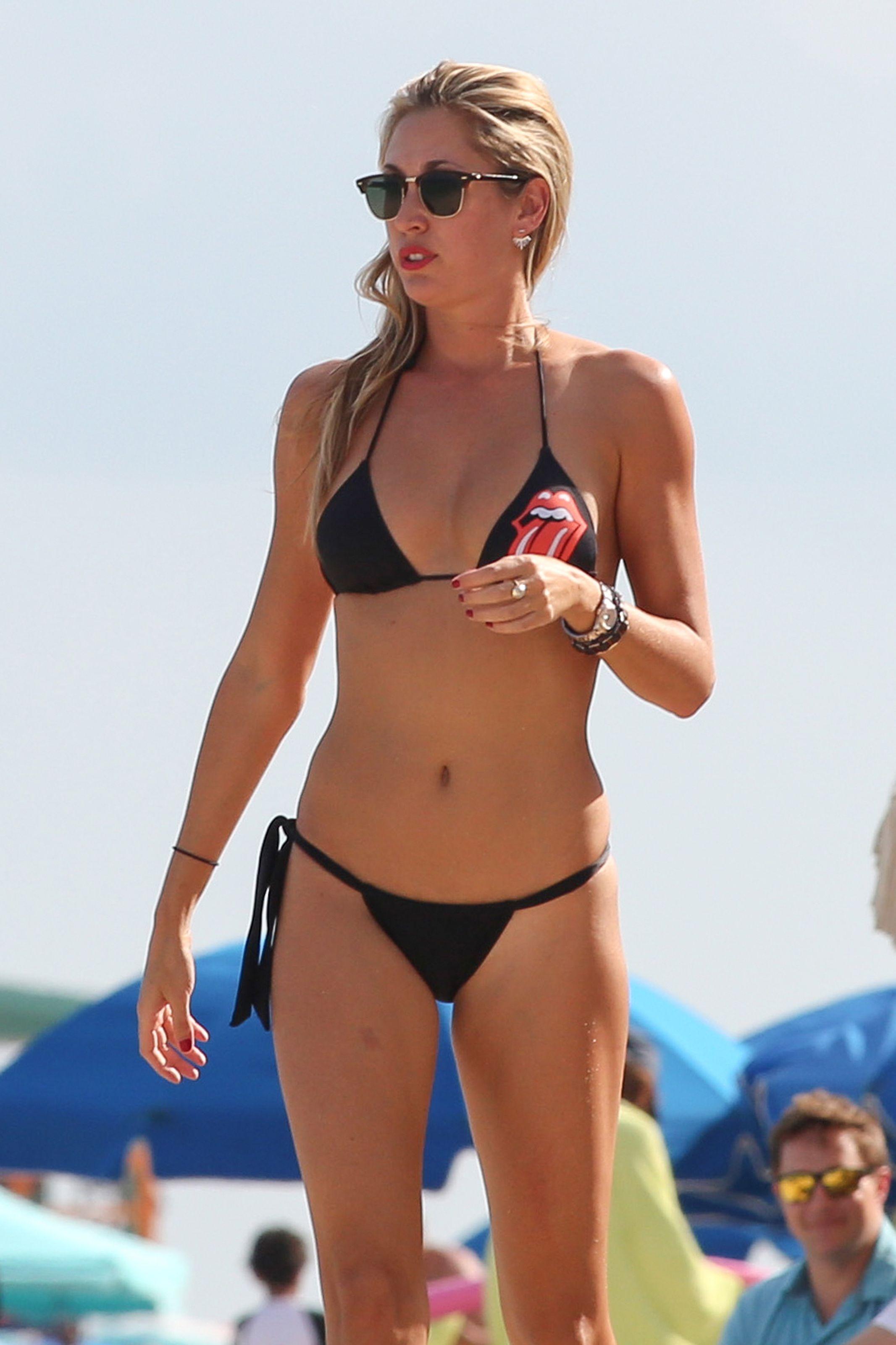 Lauren Stoner Sexy Bikini...