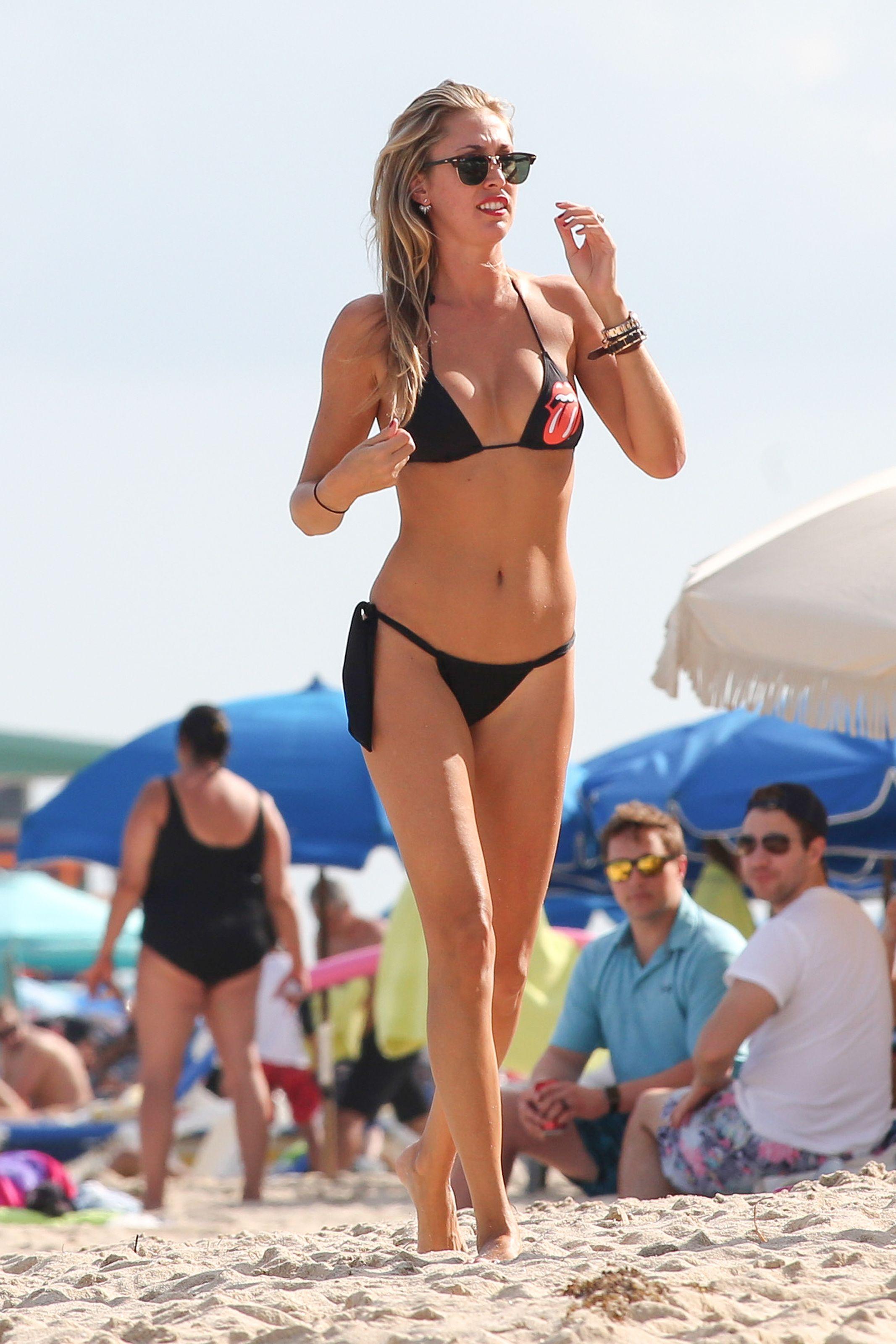 Lauren-Stoner-in-a-Bikini-14