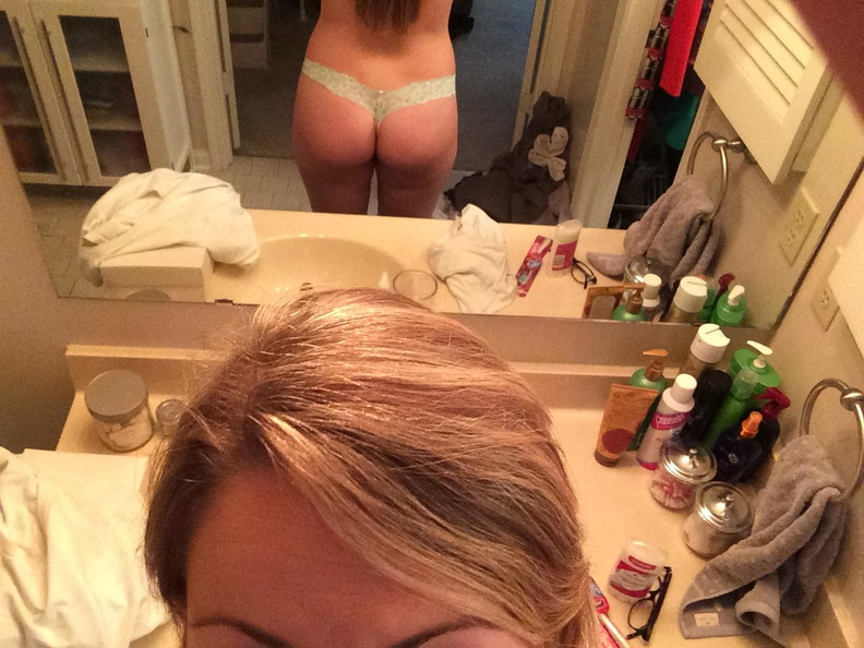 Leaked Photos Of Jennette...