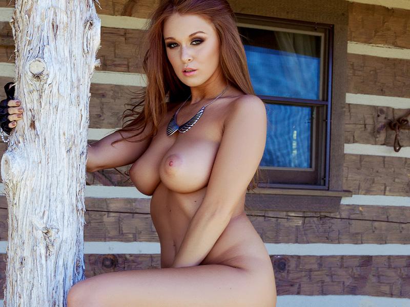 Leanna Decker  Naked Pics