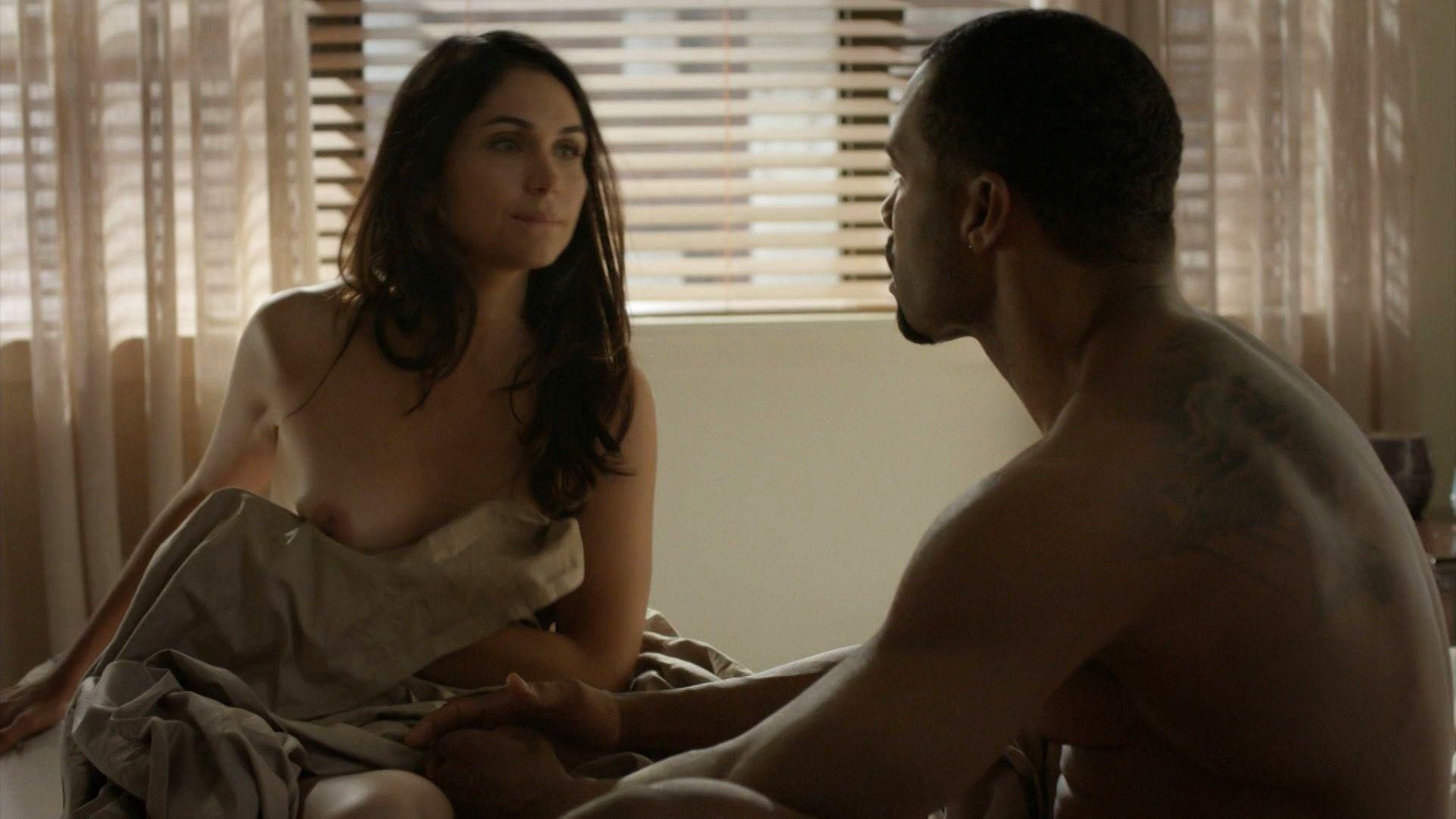 Lela Loren Nude Pics