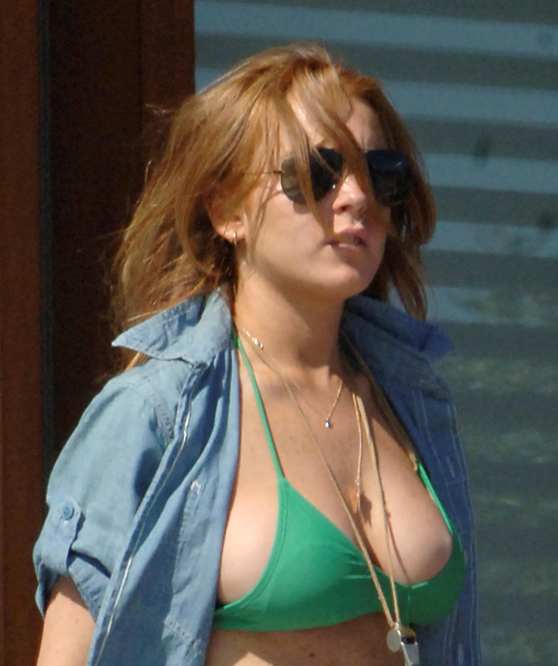 Lindsay Lohan Bikini Nipslip 1