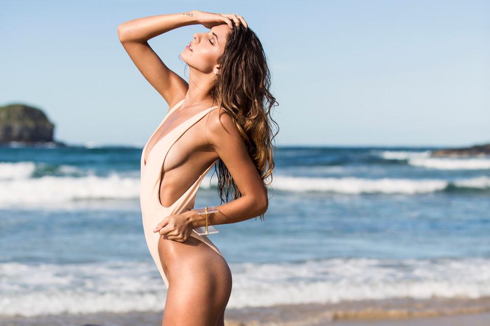 Lori Mckenzie Sexy Pics