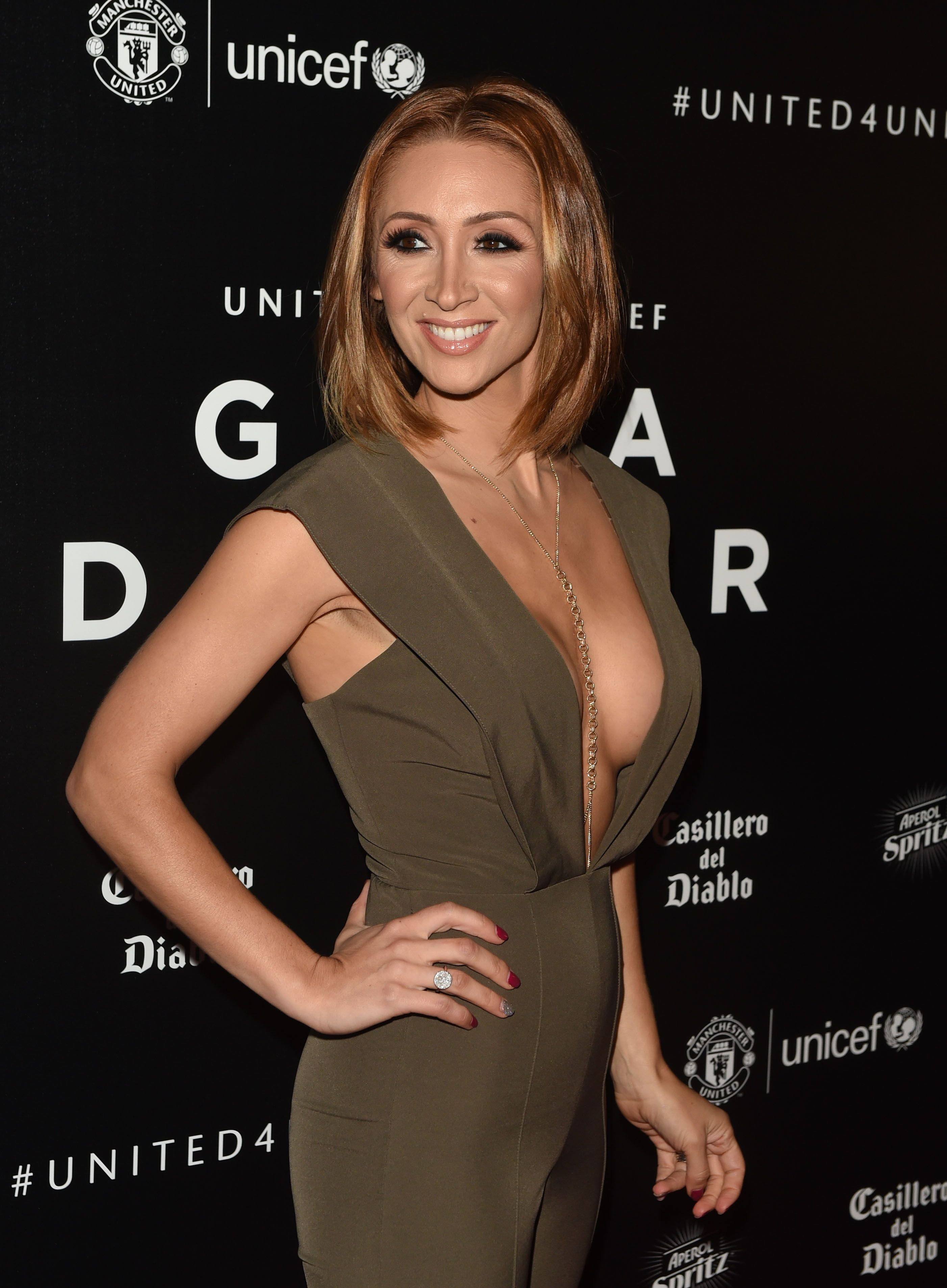 Cleavage Pics Of Lucy-jo ...