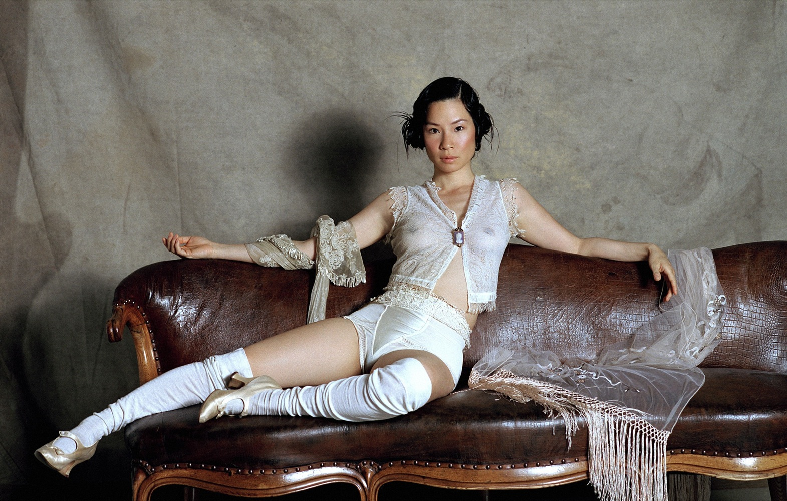 Lucy Liu See-through Phot...