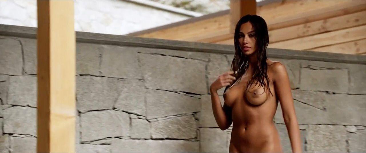 Madalina Diana Ghenea Nud...