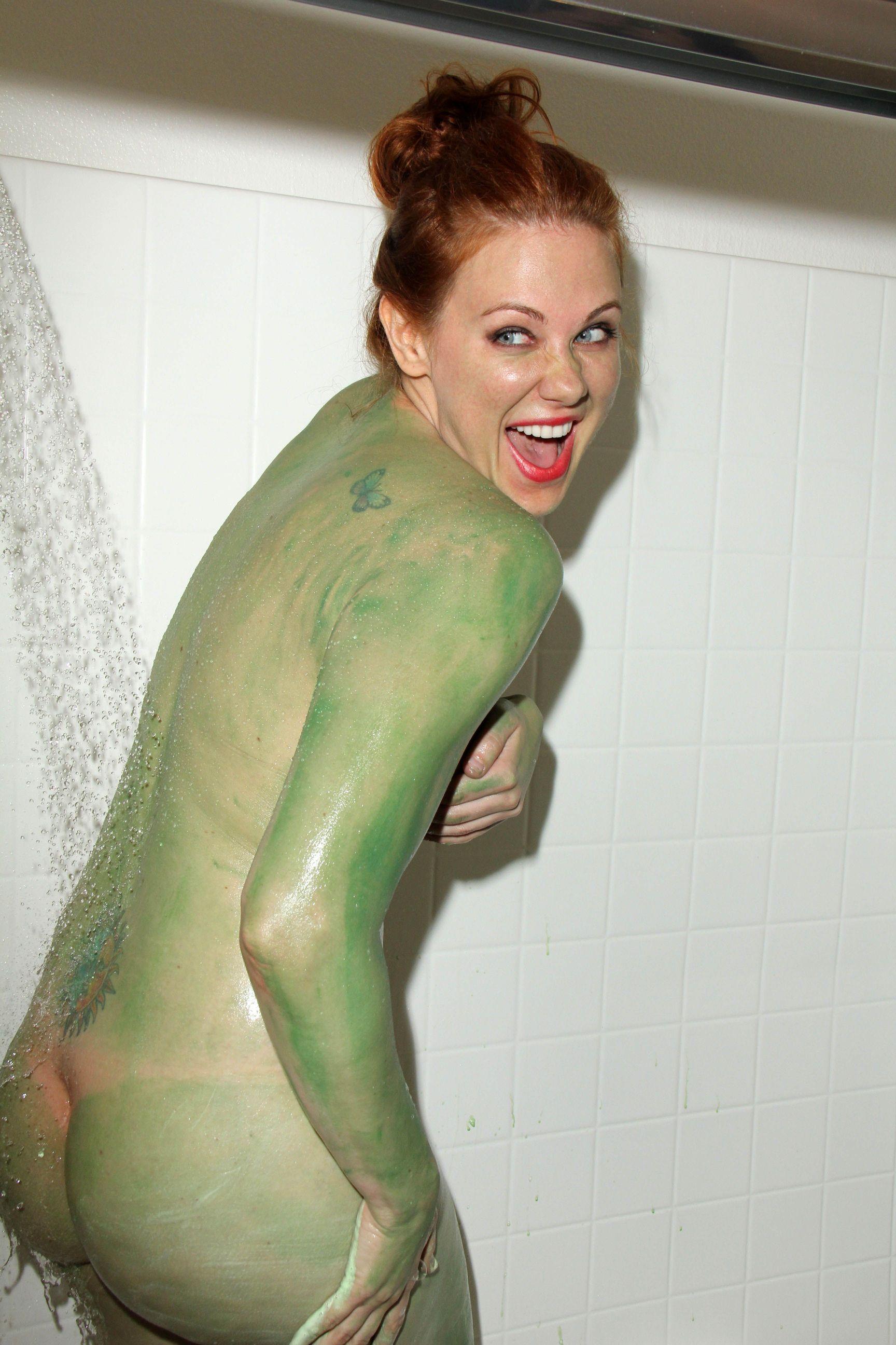 Maitland Ward Topless Pho...