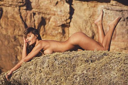Nude Photoset Of Maria Cl...