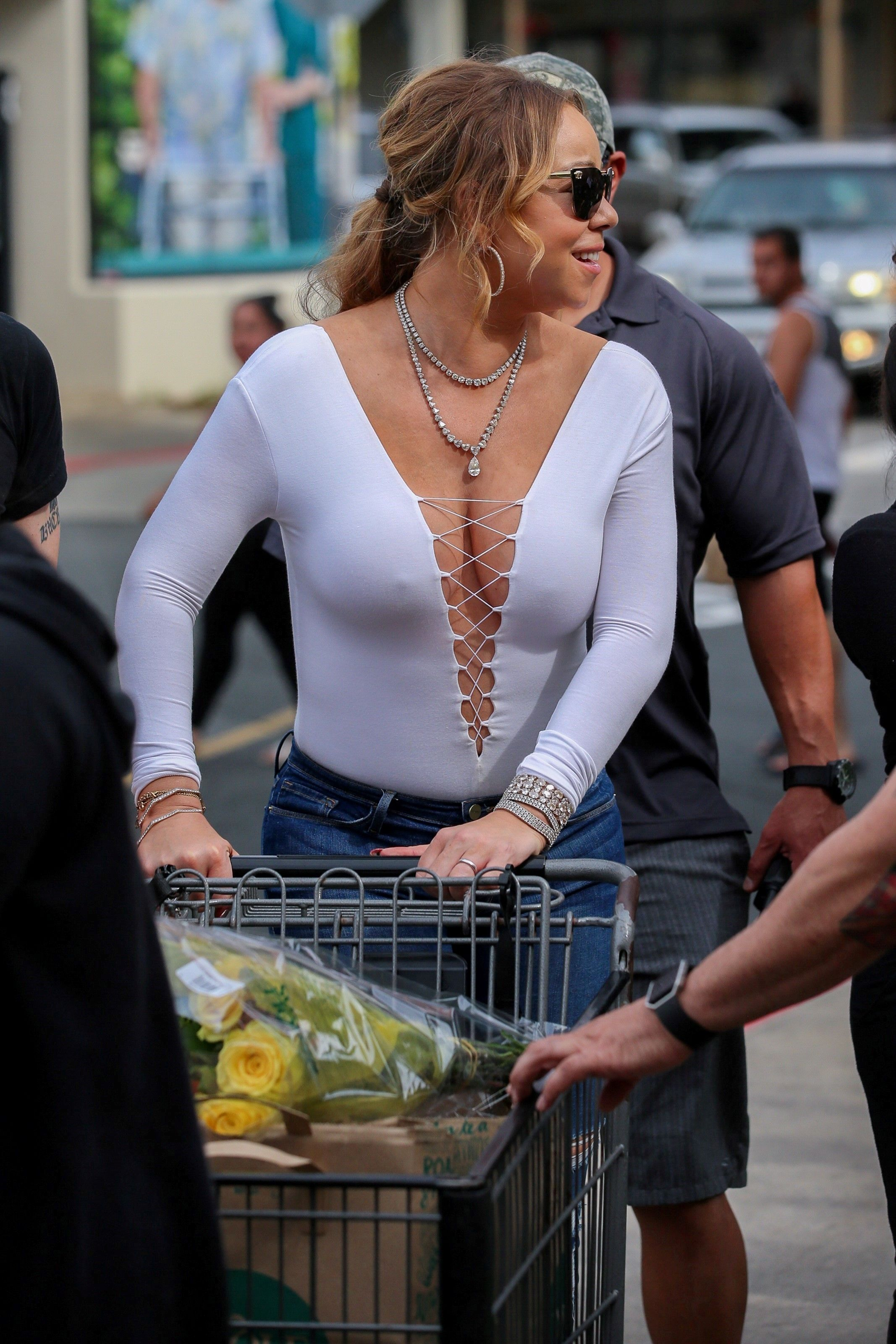 Braless Photos Of Mariah ...