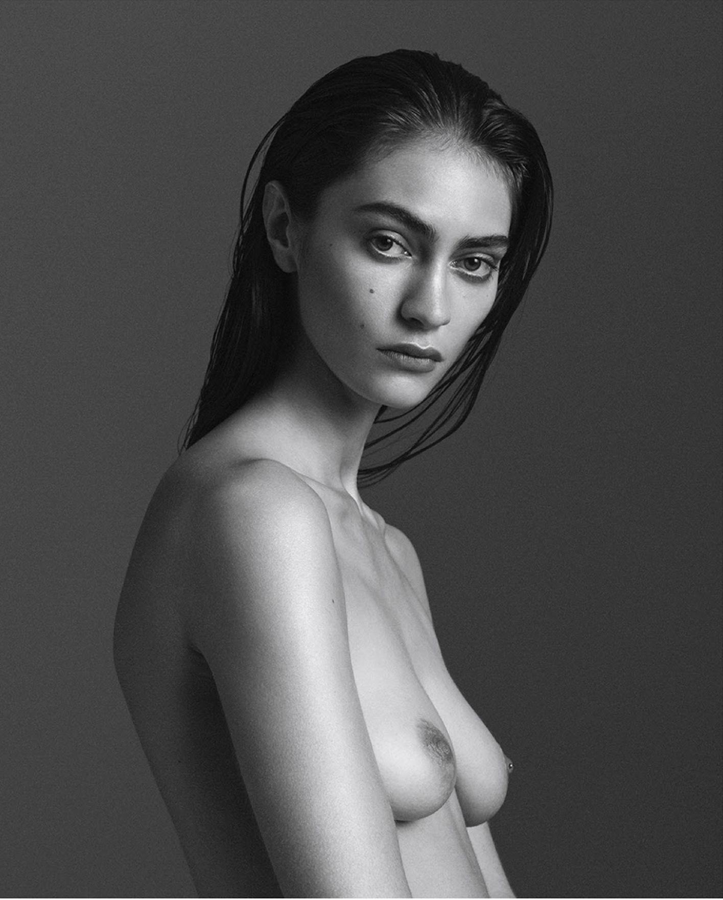 Marine Deleeuw Topless Ph...
