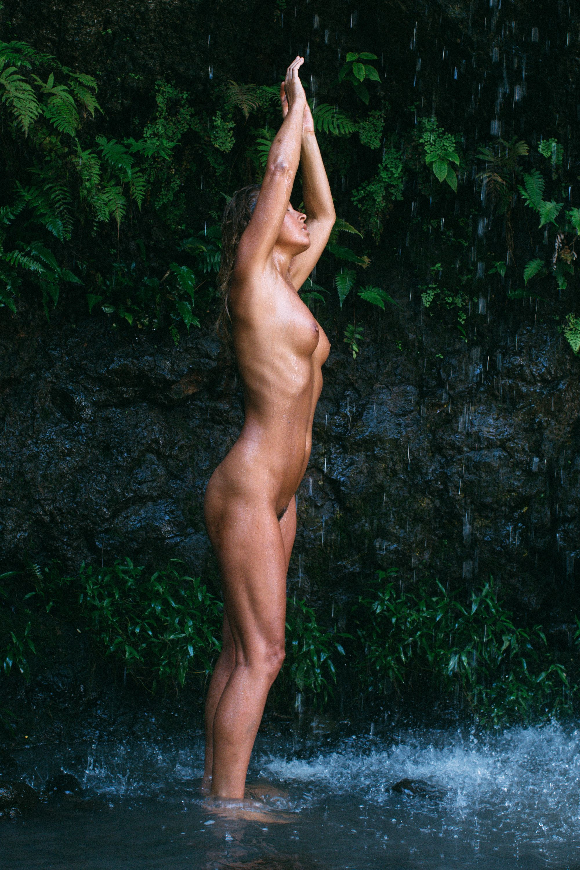 Naked Photos Of Marisa Pa...