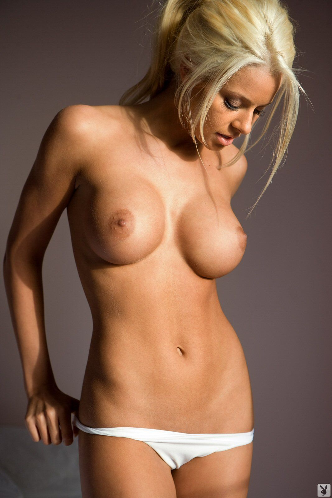 Nude Photos Of Maryse Oue...