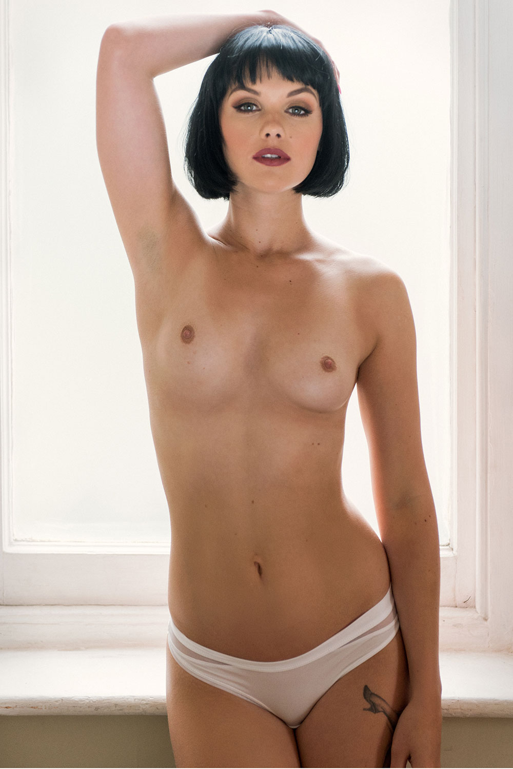 Topless Photoset Of Melli...