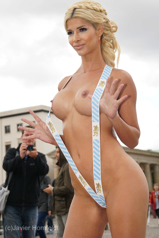 Micaela Schaefer Nude Pho...