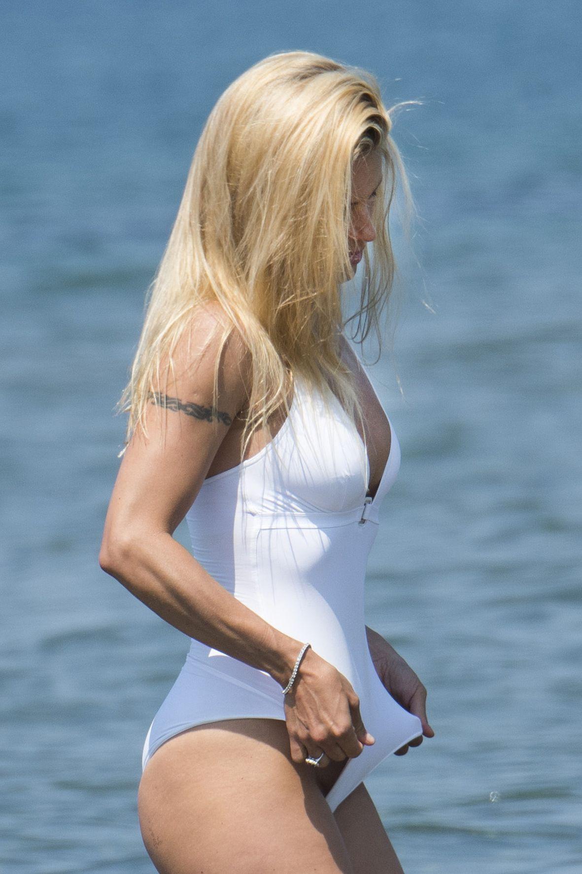 Michelle Hunziker Naked P...