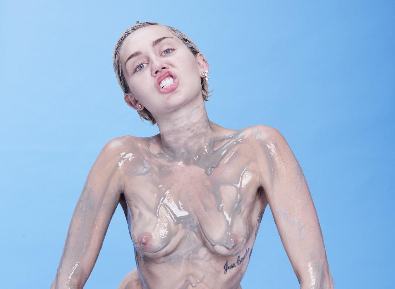 Miley Cyrus nude (2)