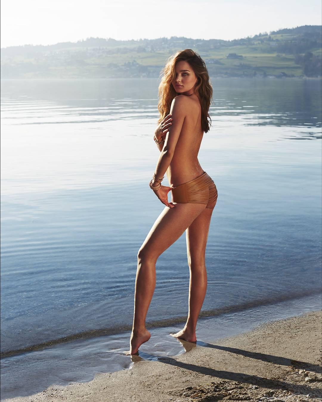 Miranda Kerr Topless Phot...