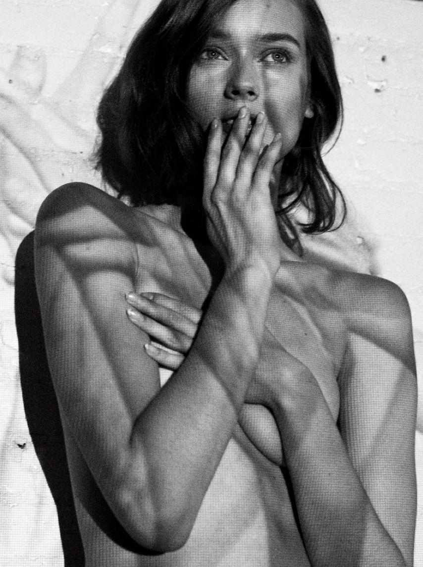 Monika Jagaciak Nude Phot...