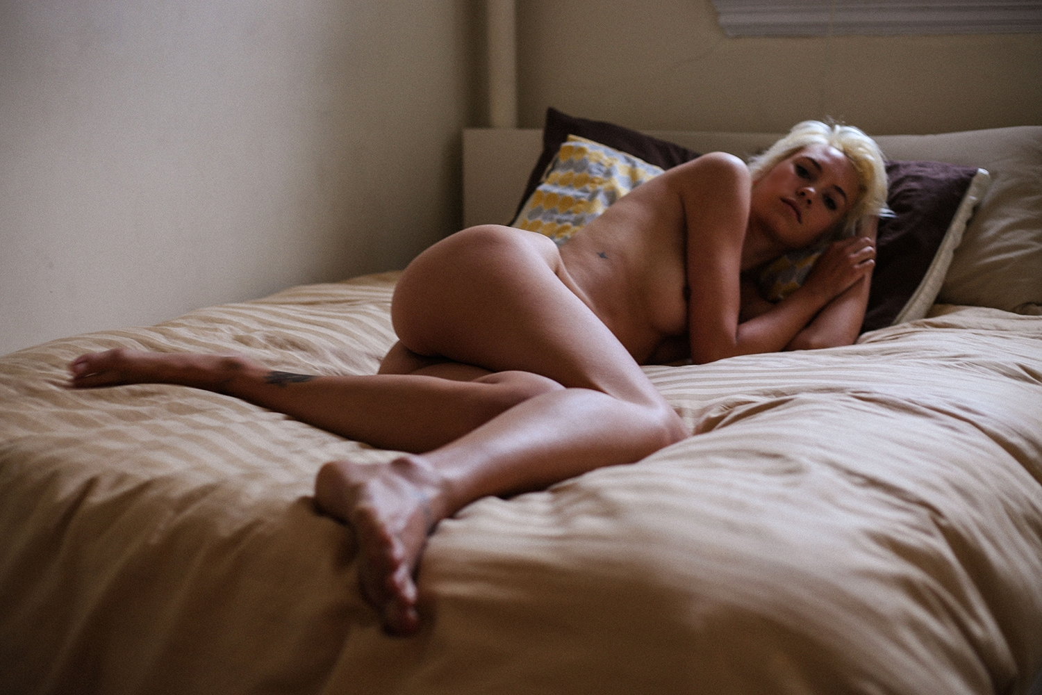 Naked Kelsey Christian Pi...