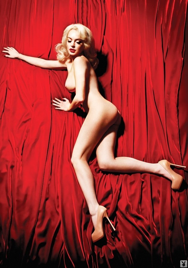 Naked Lindsay Lohan Photo...