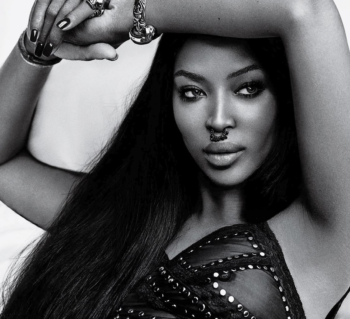 Naomi Campbell See-throug...