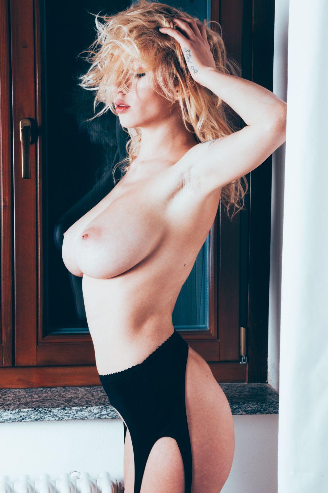 Natasha Legeyda Sexy Pics