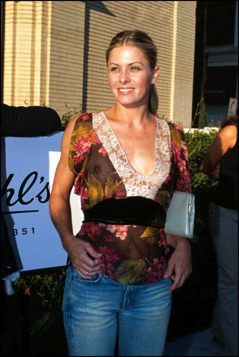Nicole Eggert See-thru Sh...