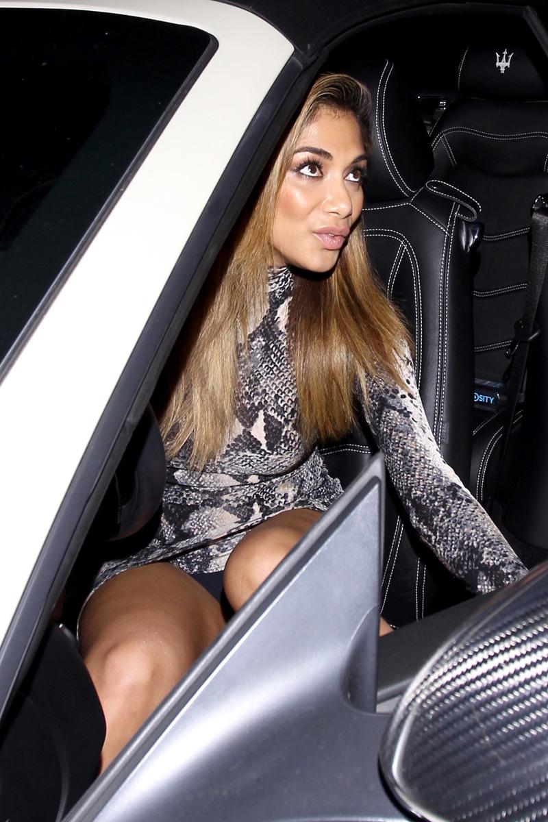 Nicole Scherzinger Upskir...