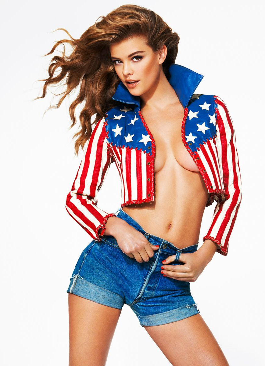 Nina Agdal Sexy Photos